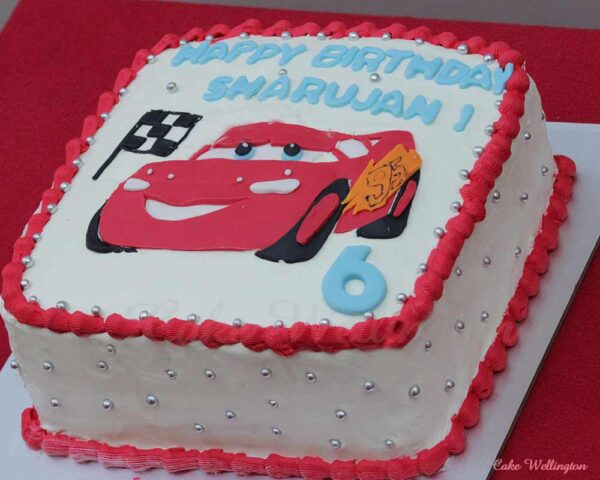 htning mcqueen cake