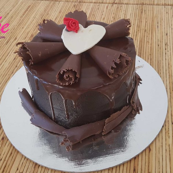 CAKE WELLINGTON CHOCOLATE CAKE