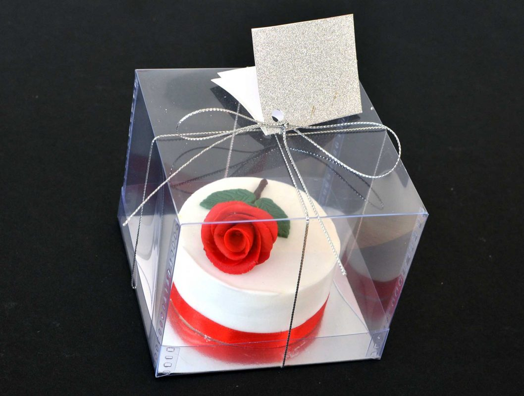 Valentine Cake Red Ross